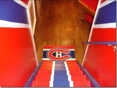 le-plus-grand-fan-des-canadiens-escalier