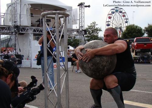 Christian Savoie boule atlas homme plus fort du Canada 2010